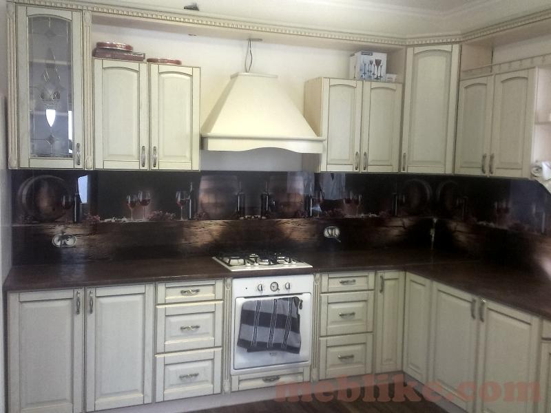 фото кухні з масиву