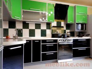 кухня зелена і чорна лакобель