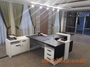 офісні столи івано-франківськ4